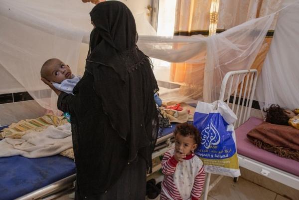 الغارديان: الحرب المدمرة والجوع وتخفيض المساعدات الإنسانية محنة اليمنيين التي لا تطاق (ترجمة خاصة)