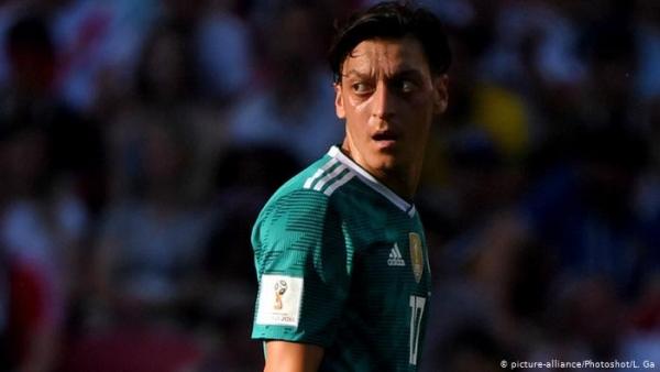 هل يعود مسعود أوزيل إلى المنتخب الألماني؟