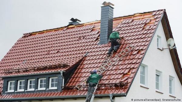 صاحب شركة ألمانية يهدد العاملين بالفصل إذا حصلوا على لقاح كورونا