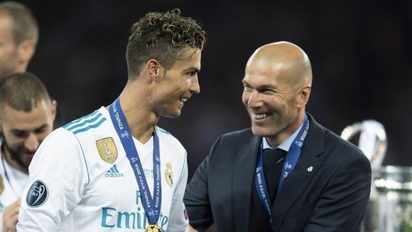 """زيدان: عودة رونالدو إلى ريال مدريد """"ممكنة"""""""