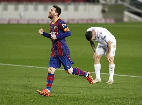 برشلونة يضيّق الخناق على أتلتيكو مدريد وميسي يعادل رقم تشافي التاريخي