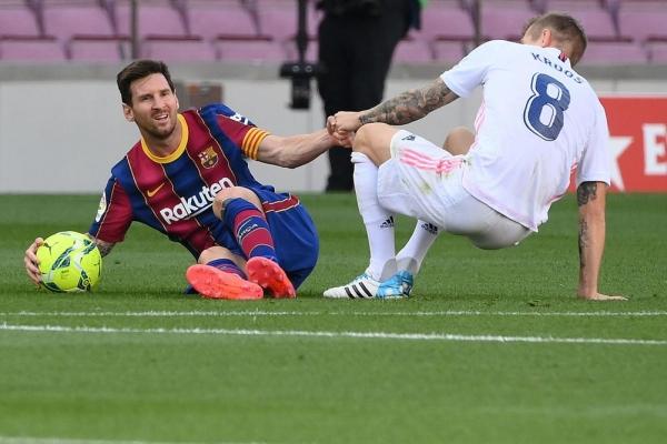 """تحديد موعد وتوقيت الـ""""كلاسيكو"""" بين ريال مدريد وبرشلونة"""
