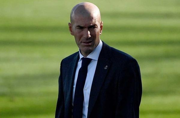 """زيدان: """"من السخافة"""" الاعتقاد بإمكانية استبعاد ريال مدريد"""