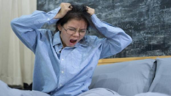 دراسة تكشف عن صلة بين قصر النظر وسوء نوعية النوم