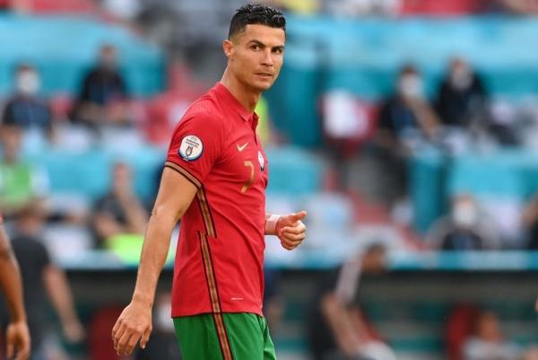 رونالدو الخرافي قطع 100 متر بـ 11 ثانية في مباراة ألمانيا والبرتغال (فيديو)