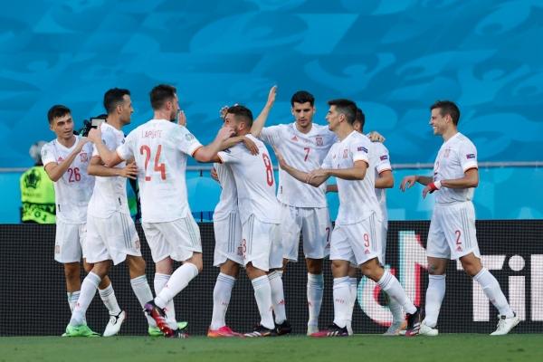 يورو 2020: إسبانيا تعبر باقتدار إلى ثمن نهائي والسويد تُقصي بولندا وتهيمن على الصدارة