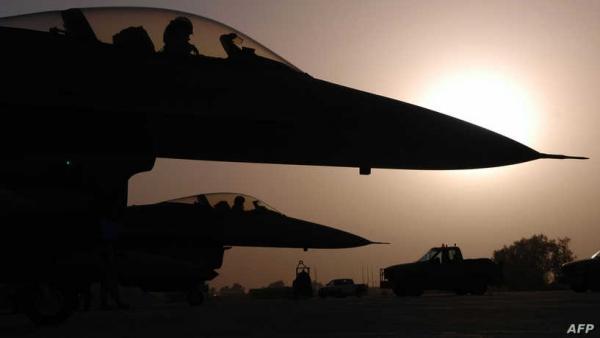 """""""رسالة ردع رداً على هجمات"""".. واشنطن تقصف مواقع لمليشيات تابعة لإيران في العراق وسوريا"""