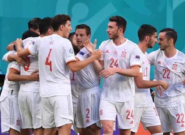"""إسبانيا تواصل مسيرتها الساطعة وتصعد إلى نصف نهائي """"يورو 2020"""""""