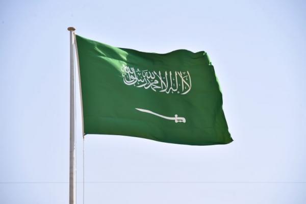 السعودية تمنع السفر دون إذن مسبق إلى ثلاث دول بينها الإمارات