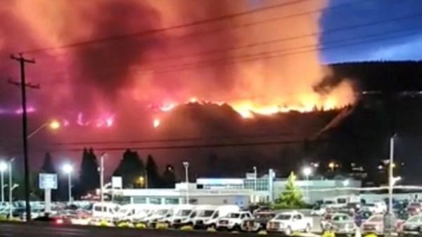 عقب موجة الحر.. الصواعق تتسبب بأكثر من 130 حريق في غابات كندية