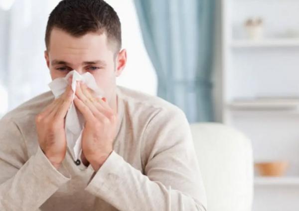 كيف يمكن التمييز بين أعراض الأنفلونزا الموسمية وكورونا؟