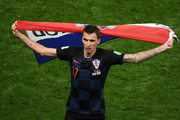 ماريو ماندزوكيتش يعلن اعتزاله لعب كرة القدم