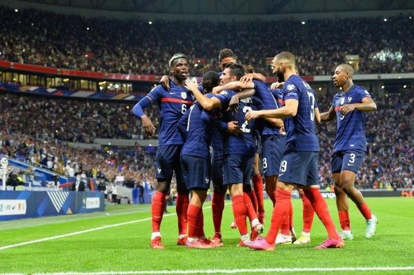 فرنسا تستعيد ذاكرة الانتصارات والبرتغال تهزم أذريبجان وهولندا تكتسح تركيا