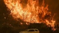 """ثالث أكبر حريق في التأريخ.. رياح ساخنة تؤجج حرائق كاليفورنيا وتبقي 18 ألف مبنى في """"دائرة الخطر"""""""