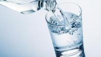 تعرف على 10 فوائد مذهلة لشرب الماء الدافئ يوميا!