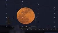 """العالم اليوم على موعد مع أكبر """"قمر عملاق"""""""