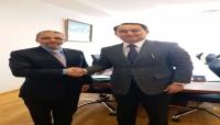 العشبي يسلم نسخة من أوراق اعتماده كسفير غير مقيم لدى كازاخستان