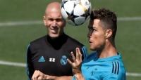زيدان يؤكد أن ريال مدريد متعطش أكثر من أي وقت مضى لإحراز دوري الابطال