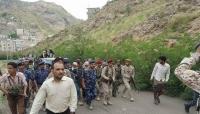 تعز: إتفاق على تسليم المقرات الحكومية للشرطة العسكرية وقوات الأمن(صور)