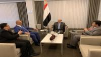 الرئيس هادي يوجه وزير الخارجية بالتعاطي البناء مع جهود السلام