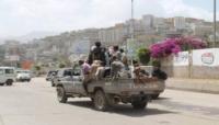 """إب..الحوثيون يختطفون عشرات المدنيين في """"السبرة"""" وينهبون ممتلكاتهم"""