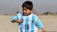 الطفل الأفغاني عاشق ميسي.. حلمه يتحول إلى كابوس