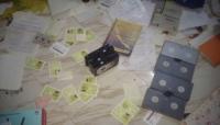 لحج..قوات أمنية تداهم مركز لتزوير الوثائق الرسمية في الحوطة (صور)