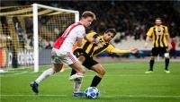 """برشلونة يعلن رسميا التعاقد مع لاعب خط الوسط الهولندي """"دي يونج"""""""