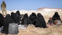 مقاتلون سوريون يبدأون في إجلاء مدنيين من آخر معقل للدولة الإسلامية