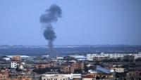 """الاحتلال الإسرائيلي يبدأ العدوان على غزة و """"هنية"""" يحذر من تجاوز """"الخطوط الحمراء"""""""