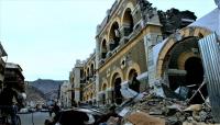 """الإندبندنت البريطانية تُشَبّه """"تعز"""" بكاتدرائية نوتردام.. وتتساءل: من سيعيد بناء المواقع التاريخية في اليمن؟"""