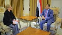 اليمن تطالب بوضع حلول جذرية لقضية المهاجرين من القرن الأفريقي