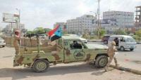 قوات موالية للإمارات تنفذ عمليات مداهمات واختطافات في عدن