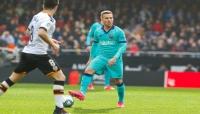 برشلونة يتجرع مرارة الهزيمة الأولى مع مدربه الجديد