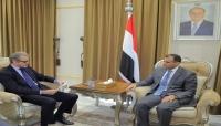 وزير الخارجية يستعبد حدوث أي مشاورات قادمة ويدعو للضغط على الحوثيين