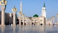 """السعودية تفرض حظر كامل للتجوال بمكة المكرمة والمدينة المنورة لاحتواء تفشي """"كورونا"""""""