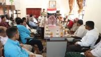 محافظ سقطرى يناقش مع التجار الخطة التموينية للمحافظة خلال شهر رمضان