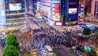 رئيس الوزراء الياباني يعلن رفع حالة الطوارئ في أنحاء البلاد ويدعو مواطنيه للتأقلم مع فيروس كورونا