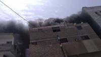 حريق هائل يلتهم عدة أقسام بأحد مشافي عدن