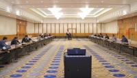 الحكومة: تصعيد الانتقالي يأتي في سياق توجه يستهدف جهود تنفيذ اتفاق الرياض