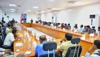 محافظ شبوة يعلن عن توجيهات رئاسية بتشغيل ميناء قنا التجاري