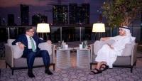بعد زيارة بن مبارك.. باحث يتساءل: ما أثمان التقارب اليمني- الإماراتي؟