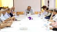 """الحكومة توجه بمعالجة برامج الحجز في طيران """"اليمنية"""" ومراعاة أسعار التذاكر"""