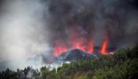 حمم بركان تدمّر نحو 100 منزل في جزر الكناري الإسبانية (فيديو)